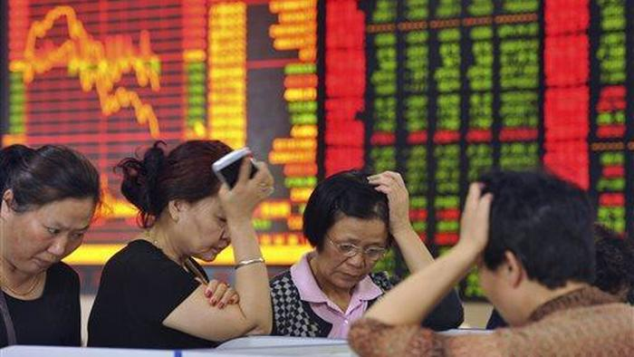 Chinese Stocks Tumble After Beijing Vows To Crack Down On Surging Commodity Prices