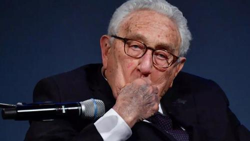 """""""Das größte Problem der Welt"""" – Kissinger warnt vor """"kolossalen"""" Gefahren durch wachsende Spannungen zwischen den USA und China"""