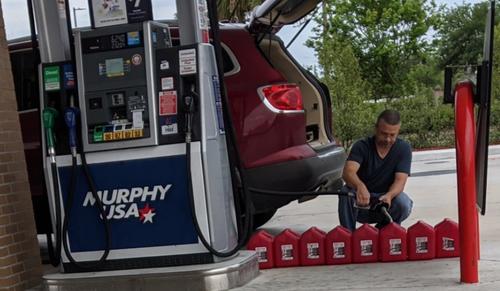 """Gas Run Has Begun"" - Fuel Stations Run Dry Amid Hacked Pipeline 2021-05-10_20-51-04"