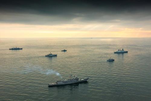 """NATO-Verbündete """"übernehmen"""" das Schwarze Meer für Militärübungen"""