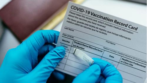 Weltweite explodieren die Zahlen von gefälschten Impfausweisen, da das Leben der ungeimpfte immer mehr eingeschränkt wird