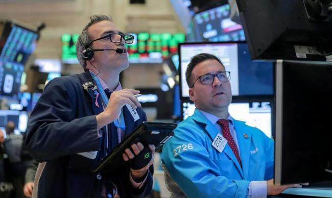 Traders%20looking%202 1