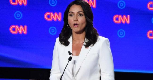 """NYTimes Pans """"Cult Leader"""" Gabbard's White Pant Suit After Praising Hillary For Same Outfit"""
